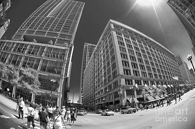 State And Randolph Street At Lunchtime Chicago Il Art Print by Linda Matlow