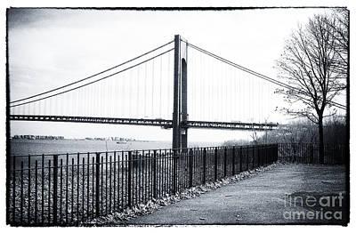 35mm Photograph - Staten Island Stroll 1990s by John Rizzuto