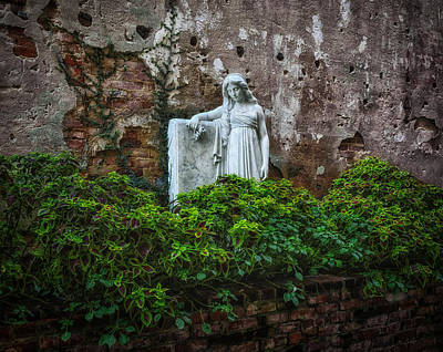 Photograph - Statue In Alley - Natchez by Frank J Benz