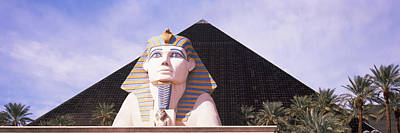 Luxor Photograph - Statue In Front Of A Hotel, Luxor Las by Panoramic Images