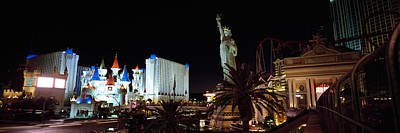Statue Of Liberty Replica Photograph - Statue In Front Of A Hotel, New York by Panoramic Images