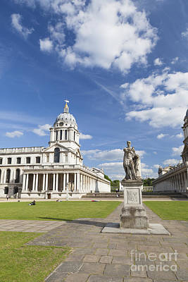 Statue Of King George II As A Roman Emperor In Greenwich Art Print by Roberto Morgenthaler