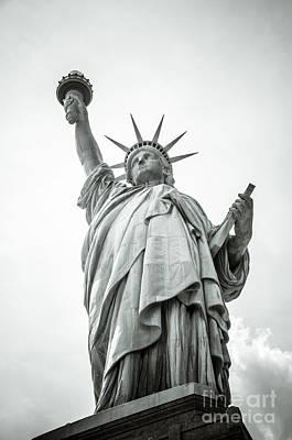 Statue Of Liberty Photograph - Statue Of Liberty 3 by Oscar Gutierrez