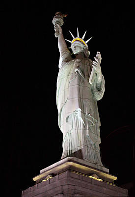 Scupture Photograph - Statue Of Liberty At Night by Linda Phelps