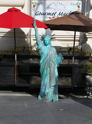 Umbrellas Mixed Media - Statue Of Liberty At The Market by Dan Sproul