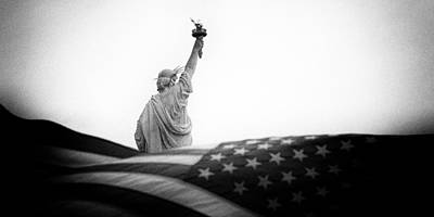 Photograph - Statue Of Liberty by Celso Diniz