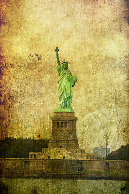 Statue Of Liberty Art Print by Garry Gay