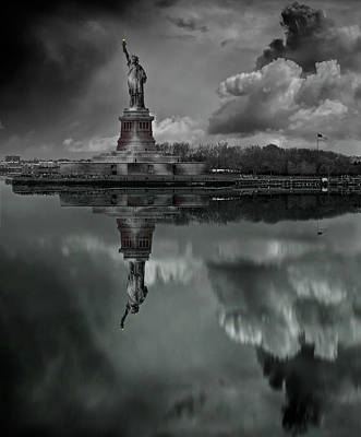 Statue Of Liberty Photograph - Statue Of Liberty by Martin Zalba