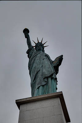 Statue Of Liberty - Paris France - 01131 Art Print by DC Photographer