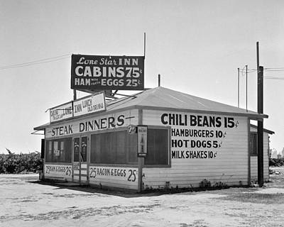 Hot Dogs Photograph - Steak And Chili In Tulare by Toni Hopper