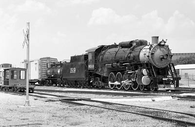 Photograph - Steam Locomotive 1519 - Bw 12 by Pamela Critchlow