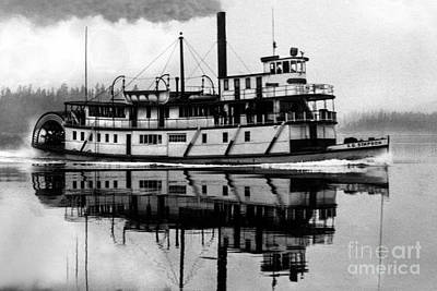 Photograph - Sternwheeler Sol Simpson by Joe Jeffers