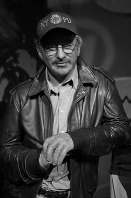 Steven Spielberg Art Print by Lee Dos Santos