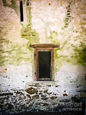 Photograph - Stone Barn Window by Colleen Kammerer