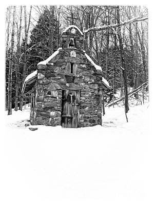 Stowe Vermont Photograph - Stone Chapel In The Woods Black And White by Edward Fielding