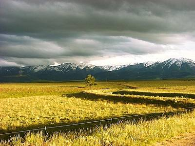 Beartooth Mountain Range Photograph - Storm Moving In On The Beartooths by Ron Hunter