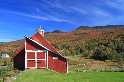 Photograph - Stowe Vermont Barn And Pinnacle Fall Foliage by John Burk