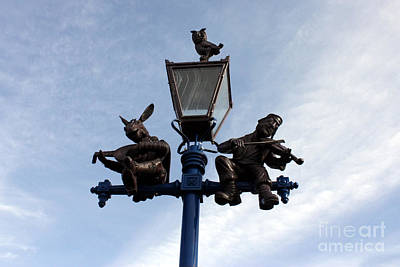 Fiddler On The Roof Photograph - Stratford's Jewish Lamp Post by Terri Waters