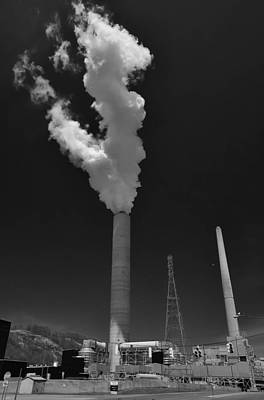 Photograph - Stratton Stack by Guy Whiteley