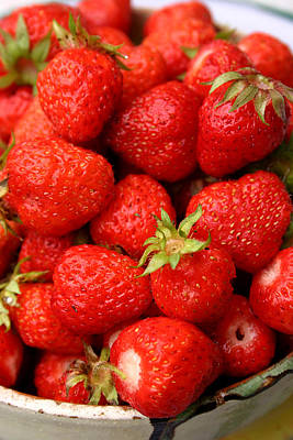 Photograph - Strawberries by Emanuel Tanjala
