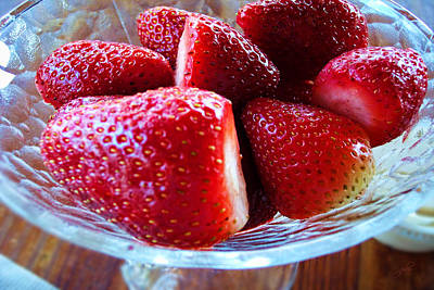 Photograph - Strawberries by Paulette B Wright