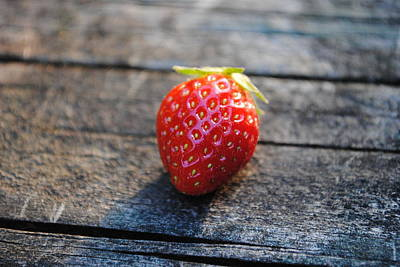 Photograph - Strawberry On Plank by Robert  Moss