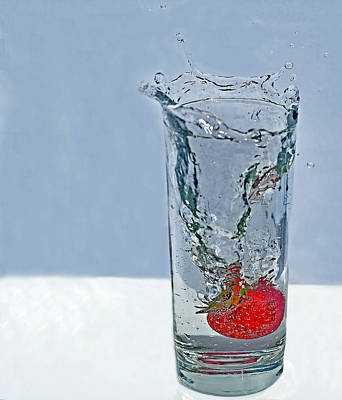 Photograph - Strawberry Splashing Into Glass Of Sparkling Water by Valerie Garner