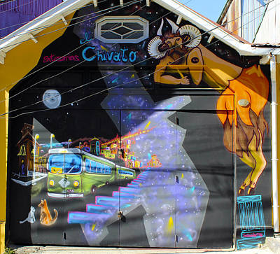 Urban Art Photograph - Street Art Valparaiso Chile 5 by Kurt Van Wagner
