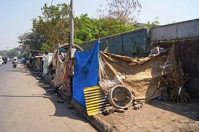 Street Dwellings In Mumbai Art Print by Mark Williamson
