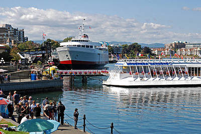 Photograph - Street Scene At Victoria's Inner Harbour by Connie Fox