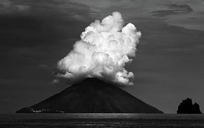 Island Wall Art - Photograph - Stromboli Eruption by Hans-wolfgang Hawerkamp