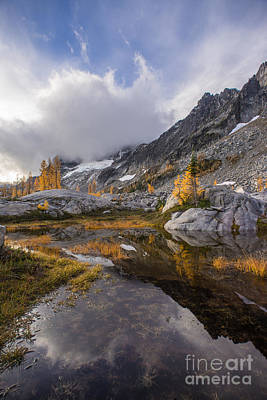 Photograph - Stuart Range Soaring Fall Skies by Mike Reid