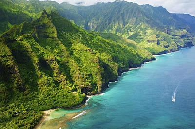 Stunning Kauai Coastline Art Print