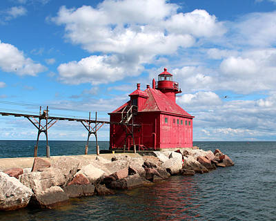 Photograph - Sturgeon Bay Pierhead Lighthouse by George Jones