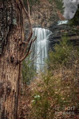 Photograph - Sugarloaf Falls by Larry McMahon