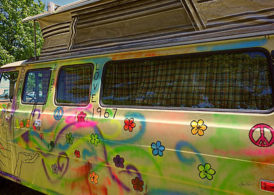 Photograph - Summer Of Love Van by Ann Powell