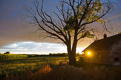 Photograph - Sun Behind The Barn by Spencer Bodian