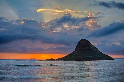 Photograph - Sun Rays At Chinaman's Hat by Dan McManus