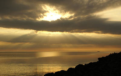 Sun Rays / Sea Pier Original by Gynt