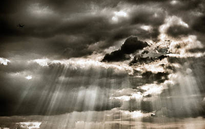 Photograph - Sun Rays Through The Clouds by Lenny Carter