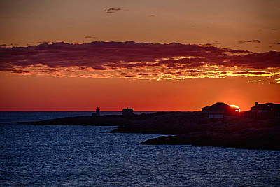 New England Lighthouse Photograph - Sun Rising Over Straightsmouth Light by Jeff Folger