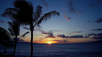 Photograph - Sun Setting In Maui by Phillip Garcia