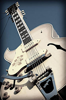Motel Art Photograph - Sun Studio Gibson Bigsby by Stephen Stookey