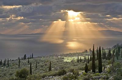 Sunburst Across The Gulf Of Messenia Art Print