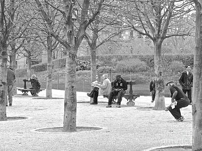 Photograph - Sunday Afternoon In A Paris Park by Suzanne Oesterling