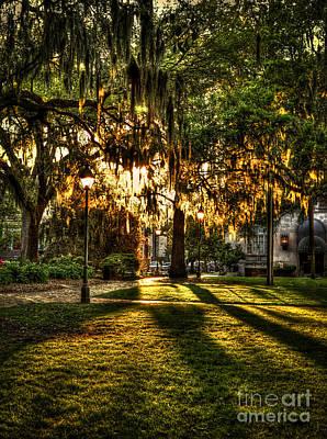Sundown On Johnson Square In Savannah Art Print
