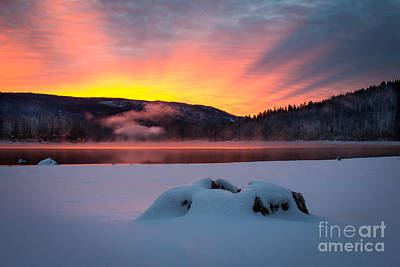 Sunrise At Bass Lake Art Print