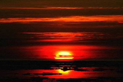 Duluth Digital Art - Sunrise At Duluth by Saibal Ghosh