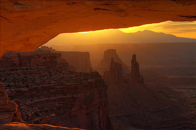Photograph - Sunrise At Mesa Arch 3 by Alan Ley