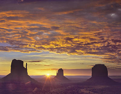 Sunrise At Monument Valley Art Print by Tim Fitzharris